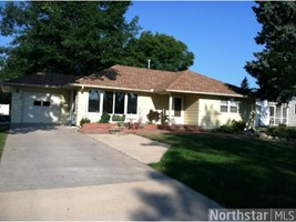 107 S Morningside Drive Le Sueur MN 56058
